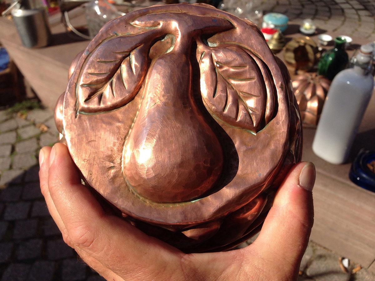 Une poire en cuivre