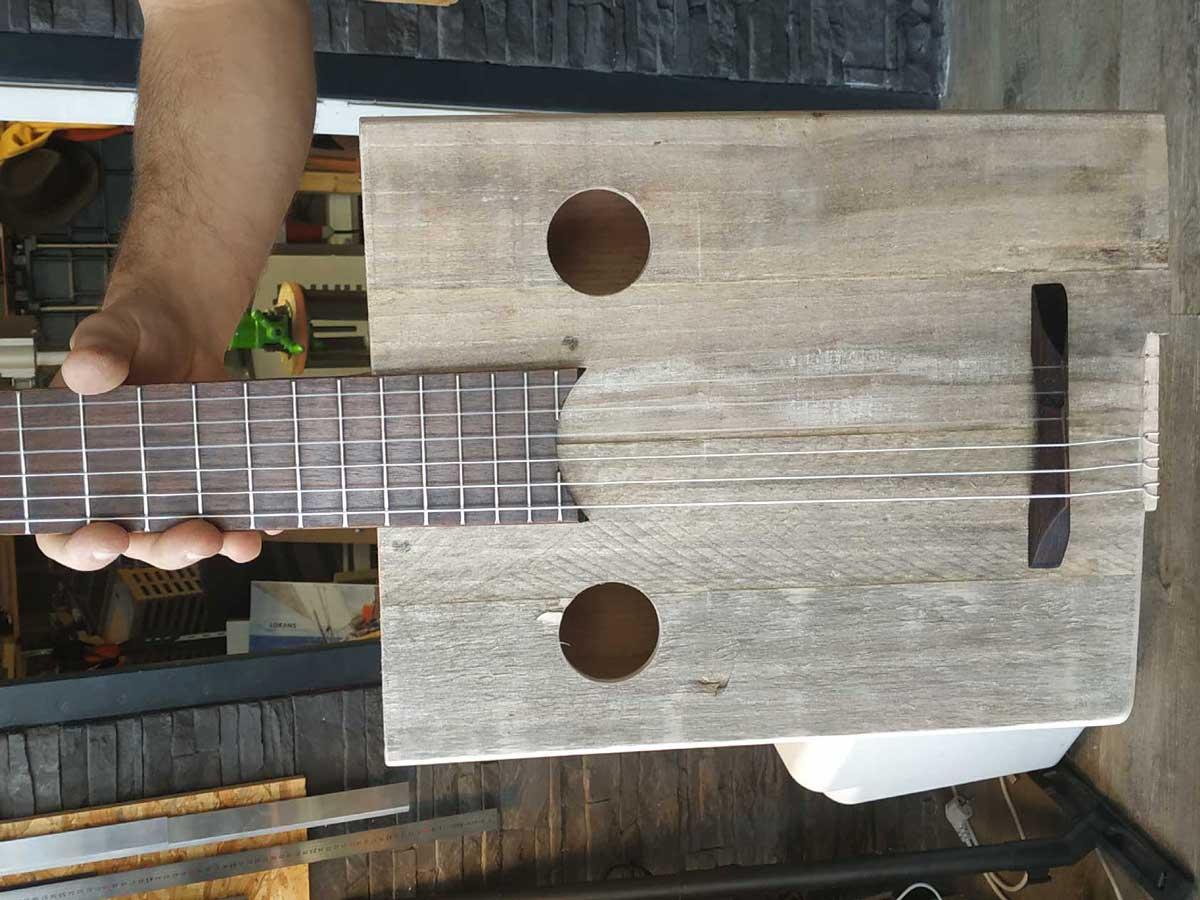 La Guitare carrée