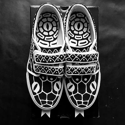 1999-tino-sneakers-3-nb