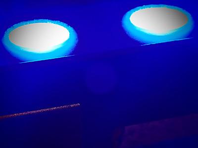 2 lumières dans la nuit